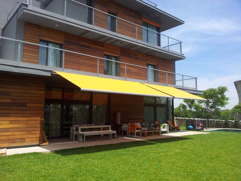 Toldo extensible para terraza o porche en Madrid