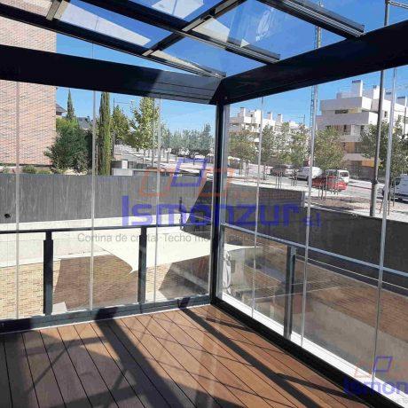 techo movil y cortinas de cristal