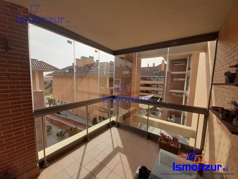 Cerramientos con cortinas de cristal para terrazas en Madrid